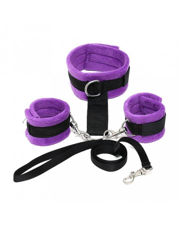 PleasureAndFun - Soft Bondage halsband met handboeien